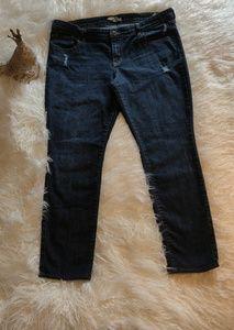 Sz.16 distressed skinny jeans.